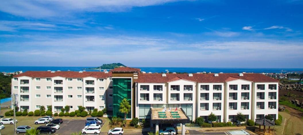 Отель  Отель  Hi Jeju Hotel