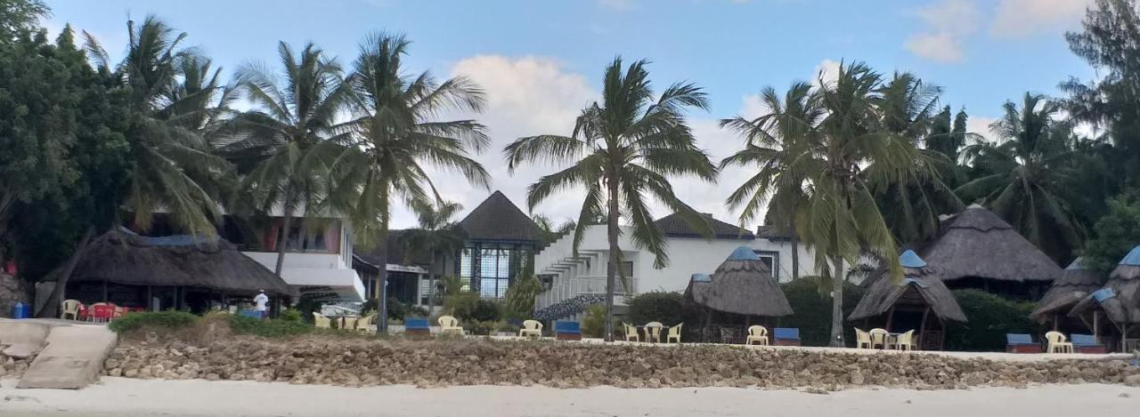 Курортный отель  Курортный отель  Azure Boutique Resort