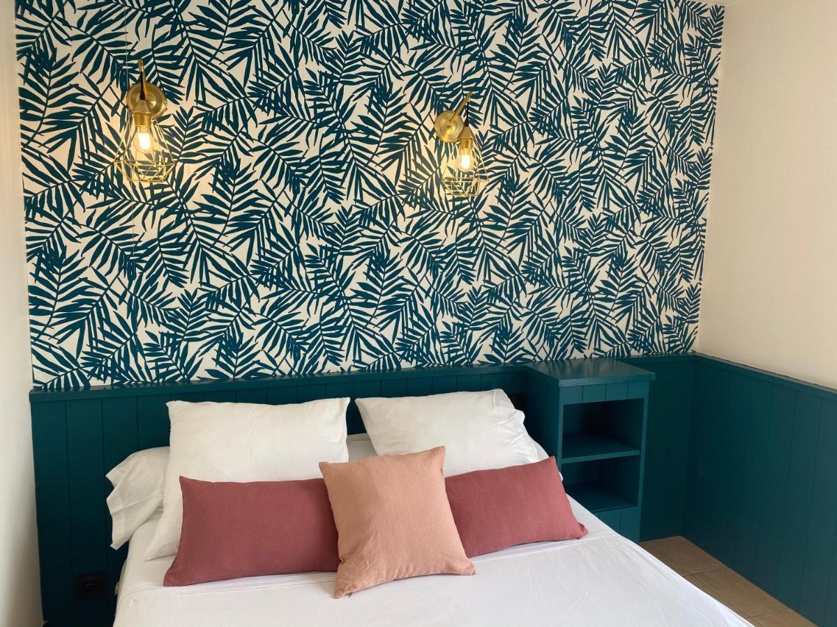 Отель  Hotel Le Clocher  - отзывы Booking