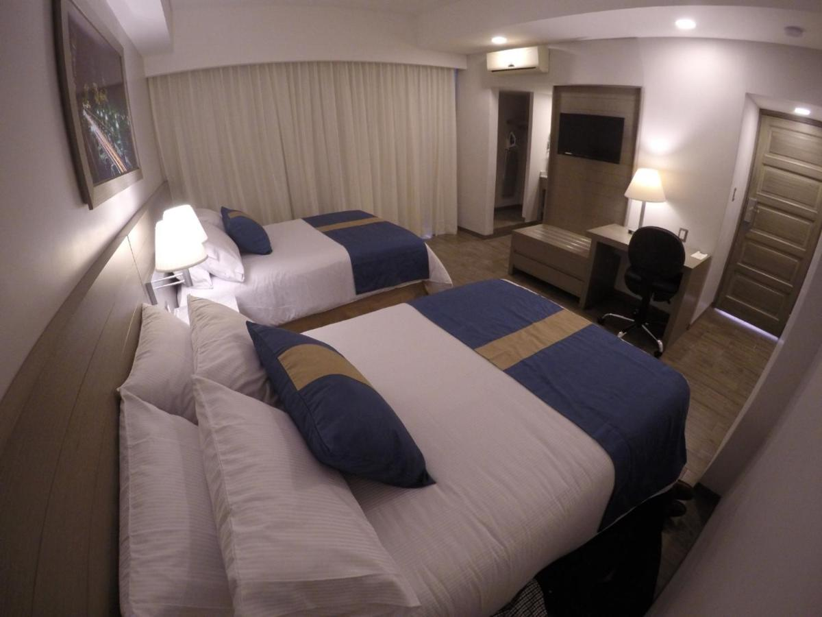 Отель  Отель  Hotel Mansur (Hotel HM)