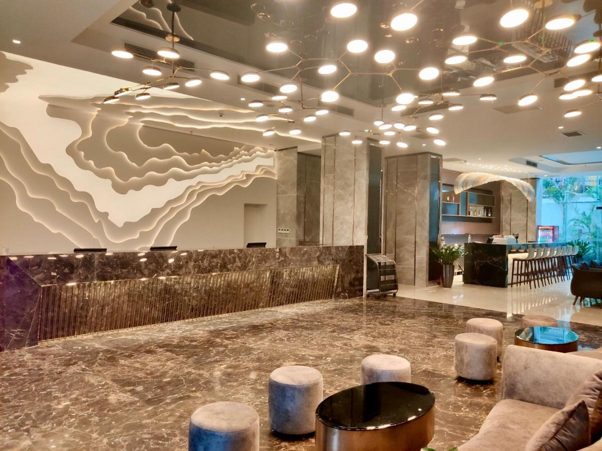 Отель  Muong Thanh Luxury Saigon Hotel