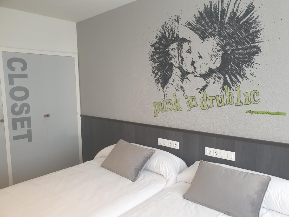 Отель  Hotel Arts - Gasteiz Centro  - отзывы Booking