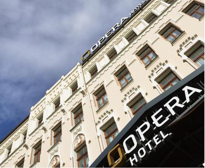 Отель  Opera Hotel