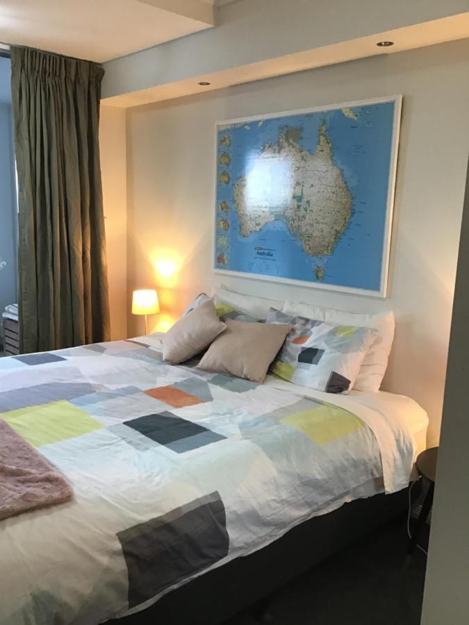 Проживание в семье  Проживание в семье  Cairns City Bed&Breakfast Homestay