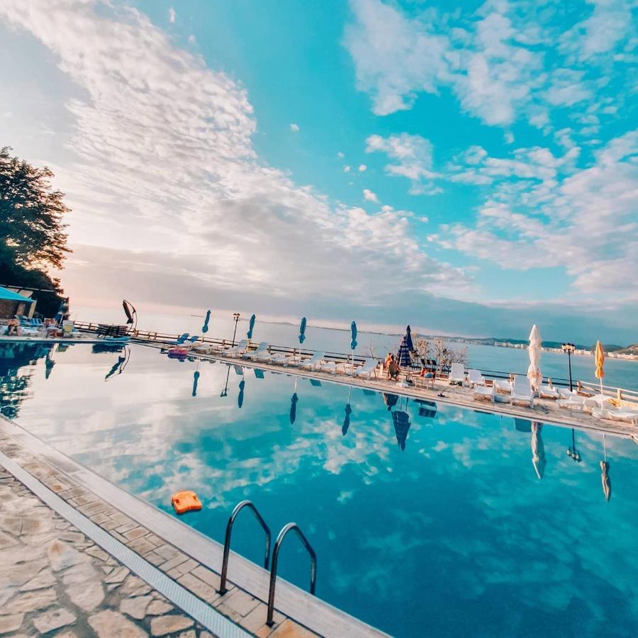 Апартаменты/квартира  Renissa's Beach Suite  - отзывы Booking