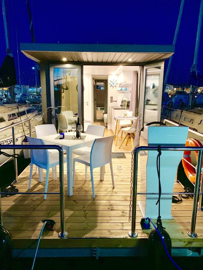 Ботель  Ботель  Houseboat Seabreeze
