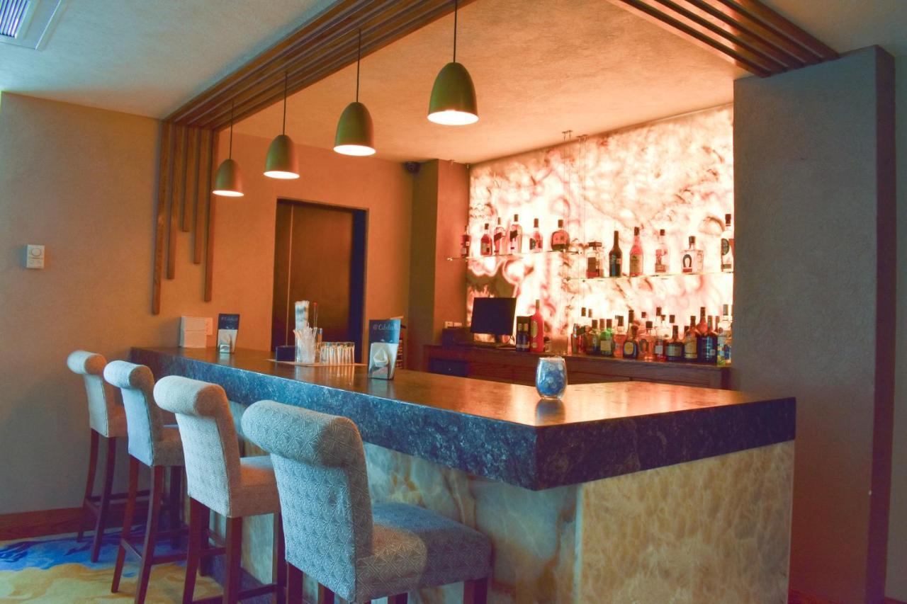 Фото  Отель  Hotel Portobelo