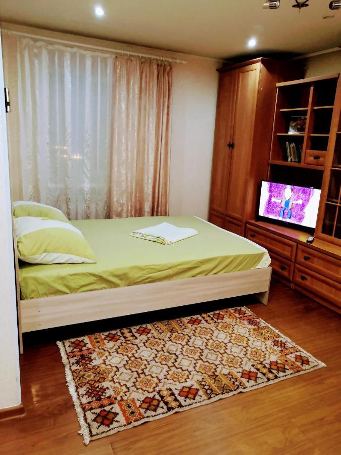 Фото  Апартаменты/квартира  Уютная 1-комнатная квартира № 17, в Улан-Удэ, Октябрьская улица, 18 Апартаменты