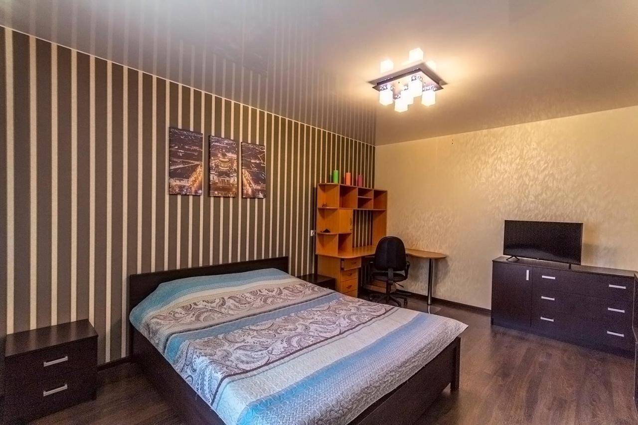 Апартаменты/квартира  Apartment on Savushkina 130  - отзывы Booking