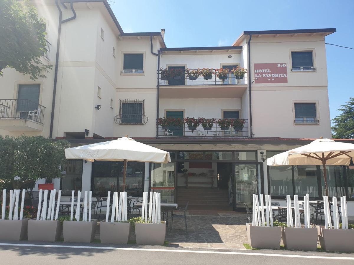 Отель  Hotel La Favorita  - отзывы Booking