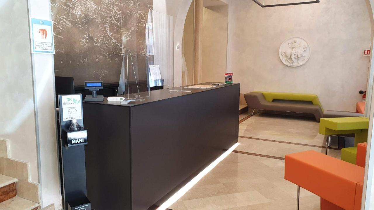 Отель  Hotel Varese