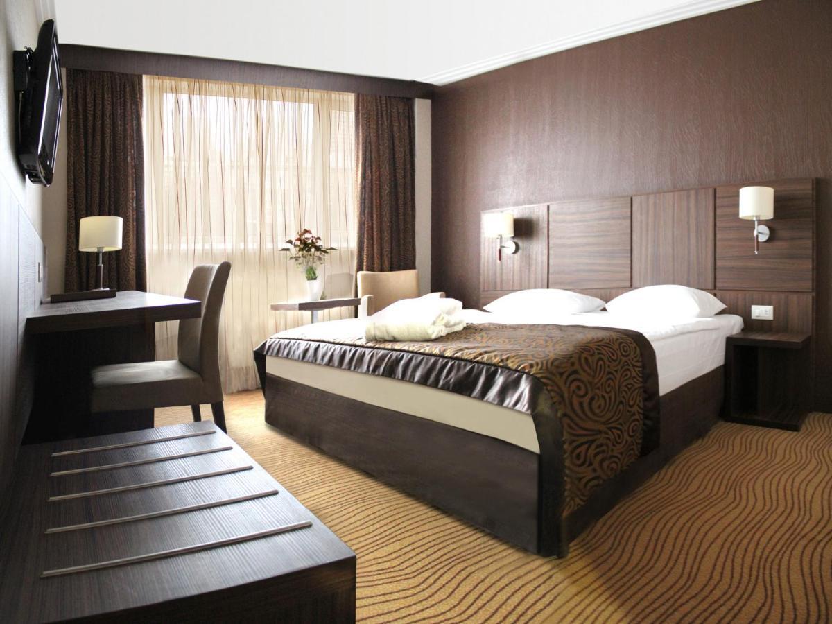 Отель  President Hotel  - отзывы Booking