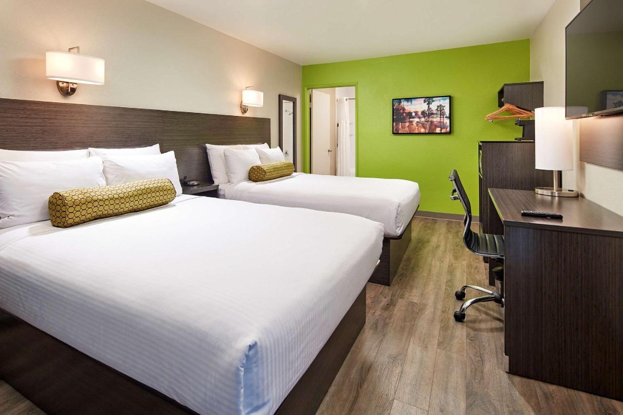 Отель  Отель  SureStay Hotel By Best Western San Diego Pacific Beach