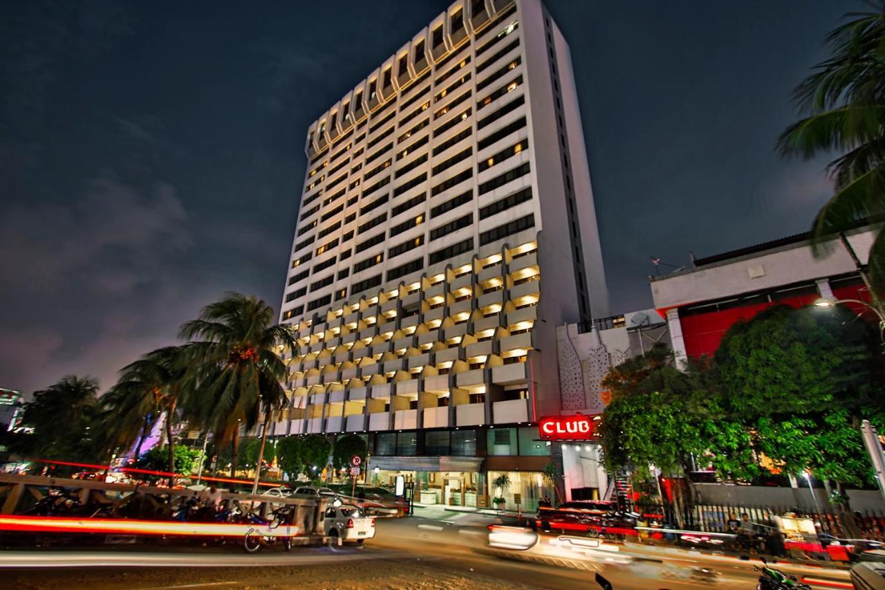 Отель  Отель  Jayakarta Hotel Jakarta