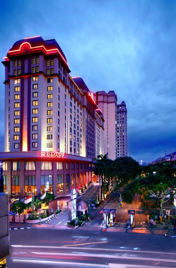 Отель  Отель  Redtop Hotel & Convention Center