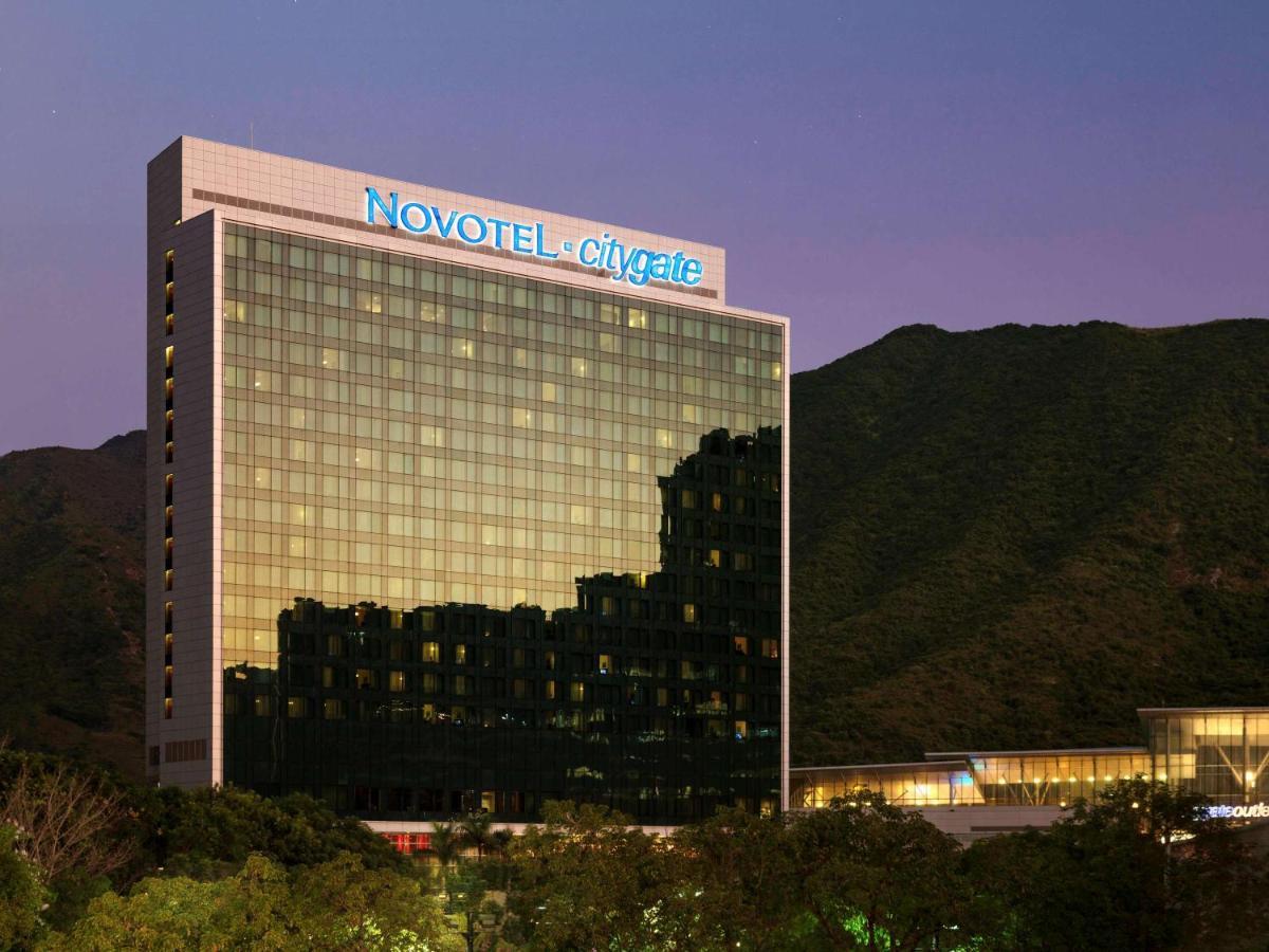 Отель  Novotel Citygate Hong Kong