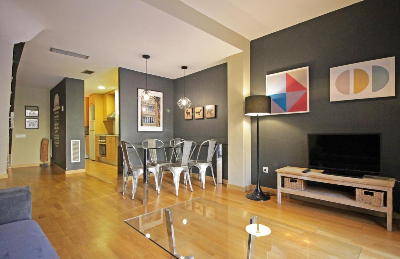 Апартаменты/квартира  AinB Eixample-Entença Apartments  - отзывы Booking