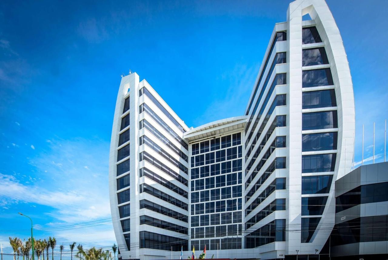 Отель  Wyndham Manta Sail Plaza Hotel And Convention Center