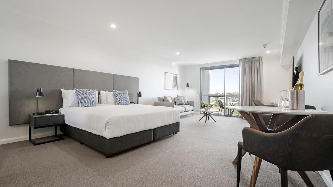 Отель  Oaks Toowoomba Hotel  - отзывы Booking