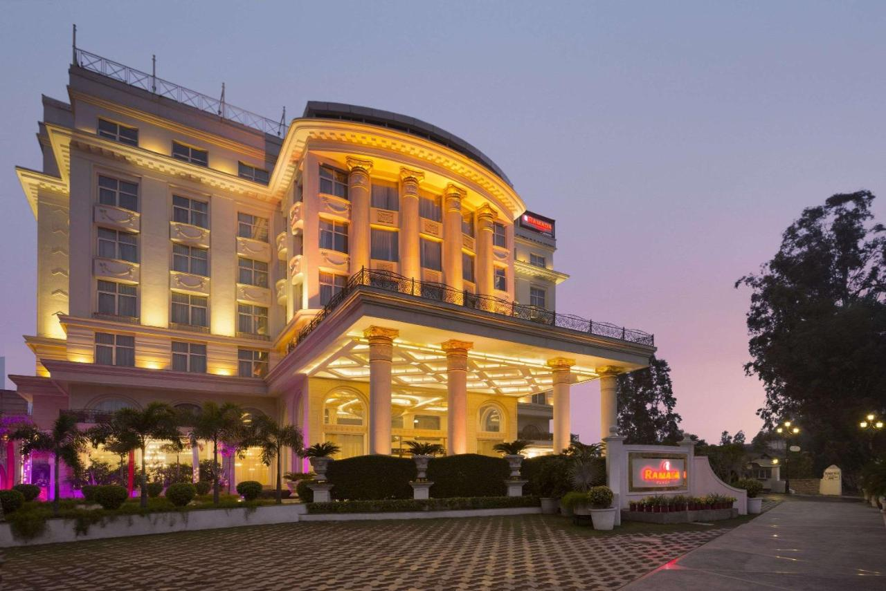 Отель  Ramada Plaza, Chandigarh, Zirakpur  - отзывы Booking