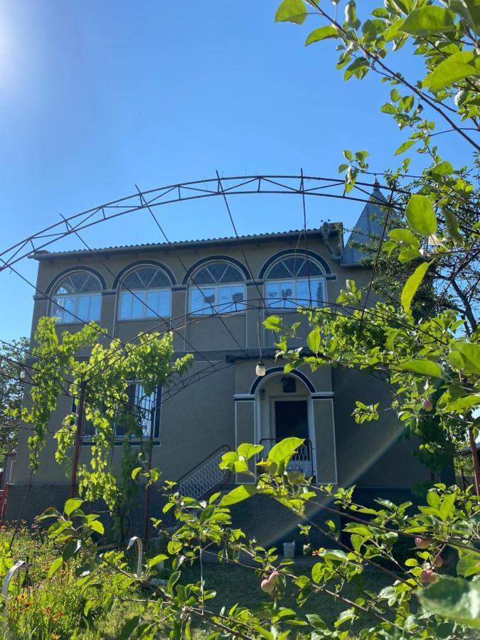 Дом для отпуска  Летний дом для семейного отдыха недалеко от Затоки  - отзывы Booking