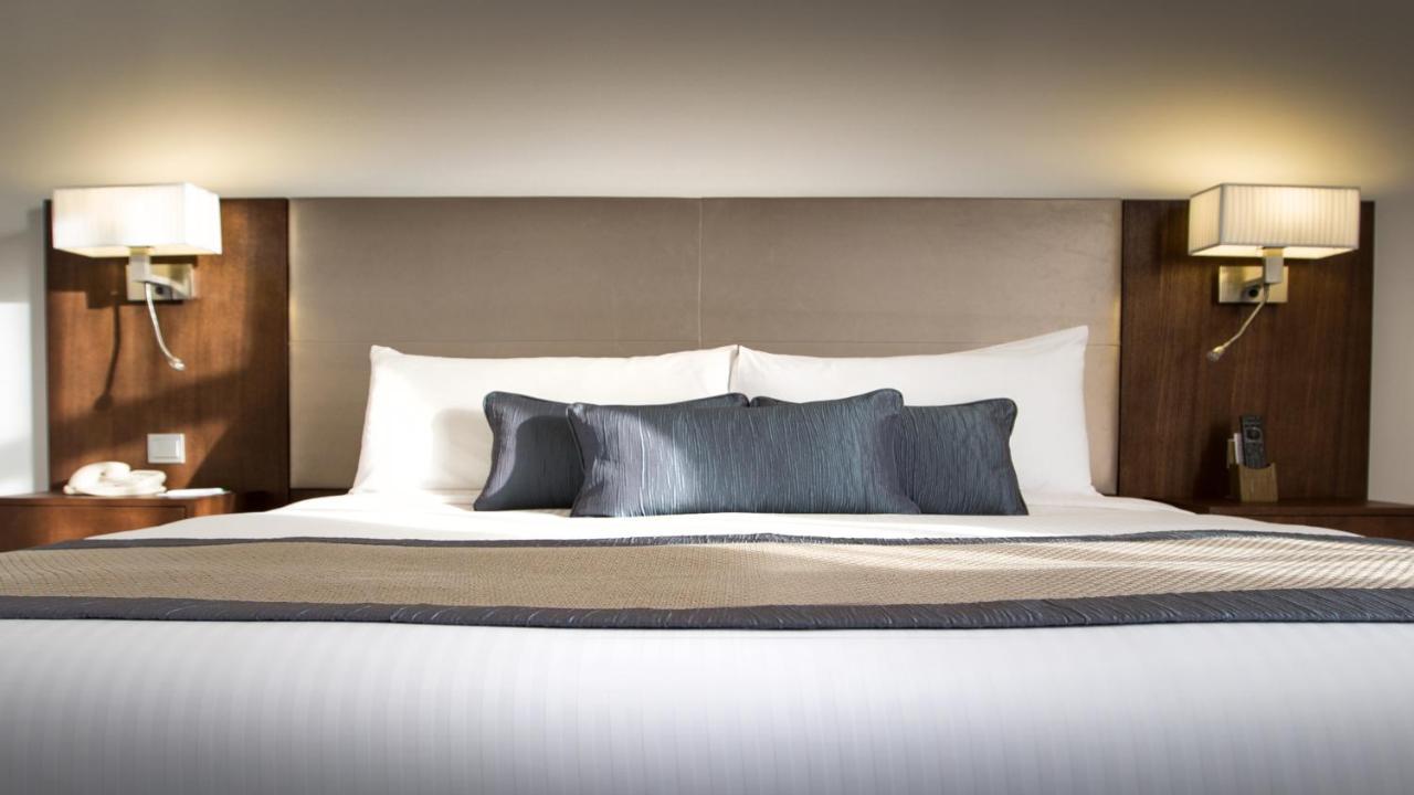 Отель  Отель  Holiday Inn Abu Dhabi Downtown