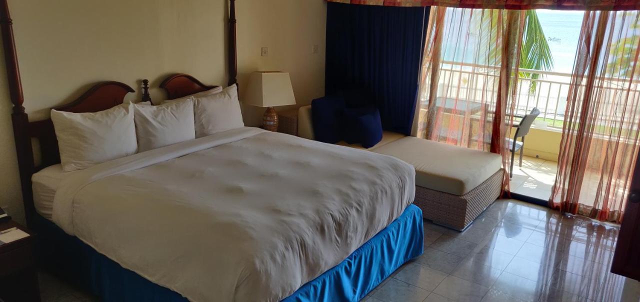 Курортный отель  Курортный отель  Radisson Grenada Beach Resort