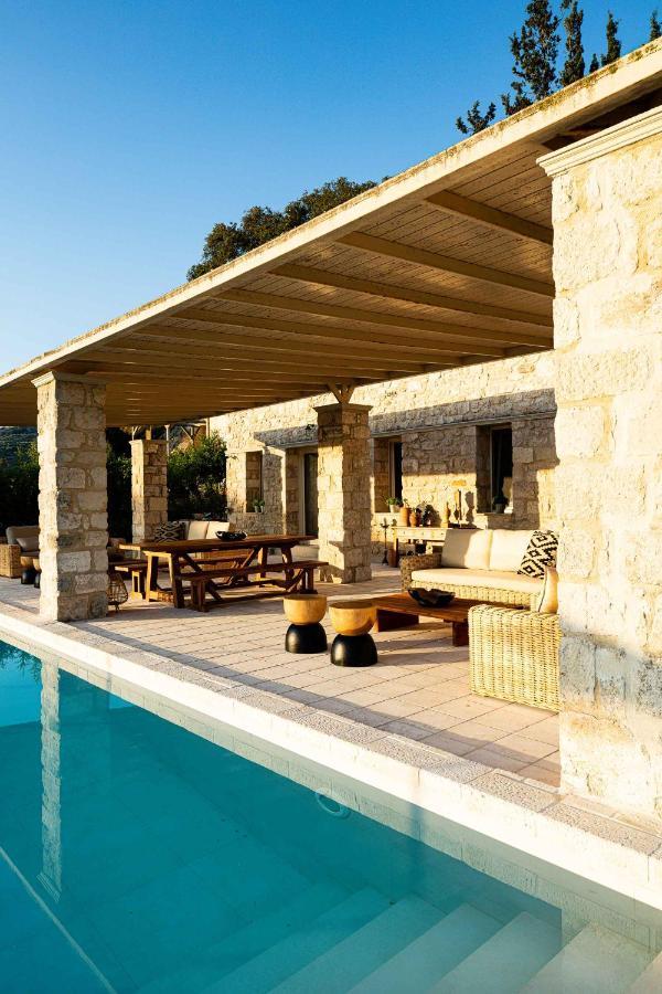 Виллы  Villa Mantilari One House 6 Indipendent Apartments 2 Pools Fitness Center  - отзывы Booking