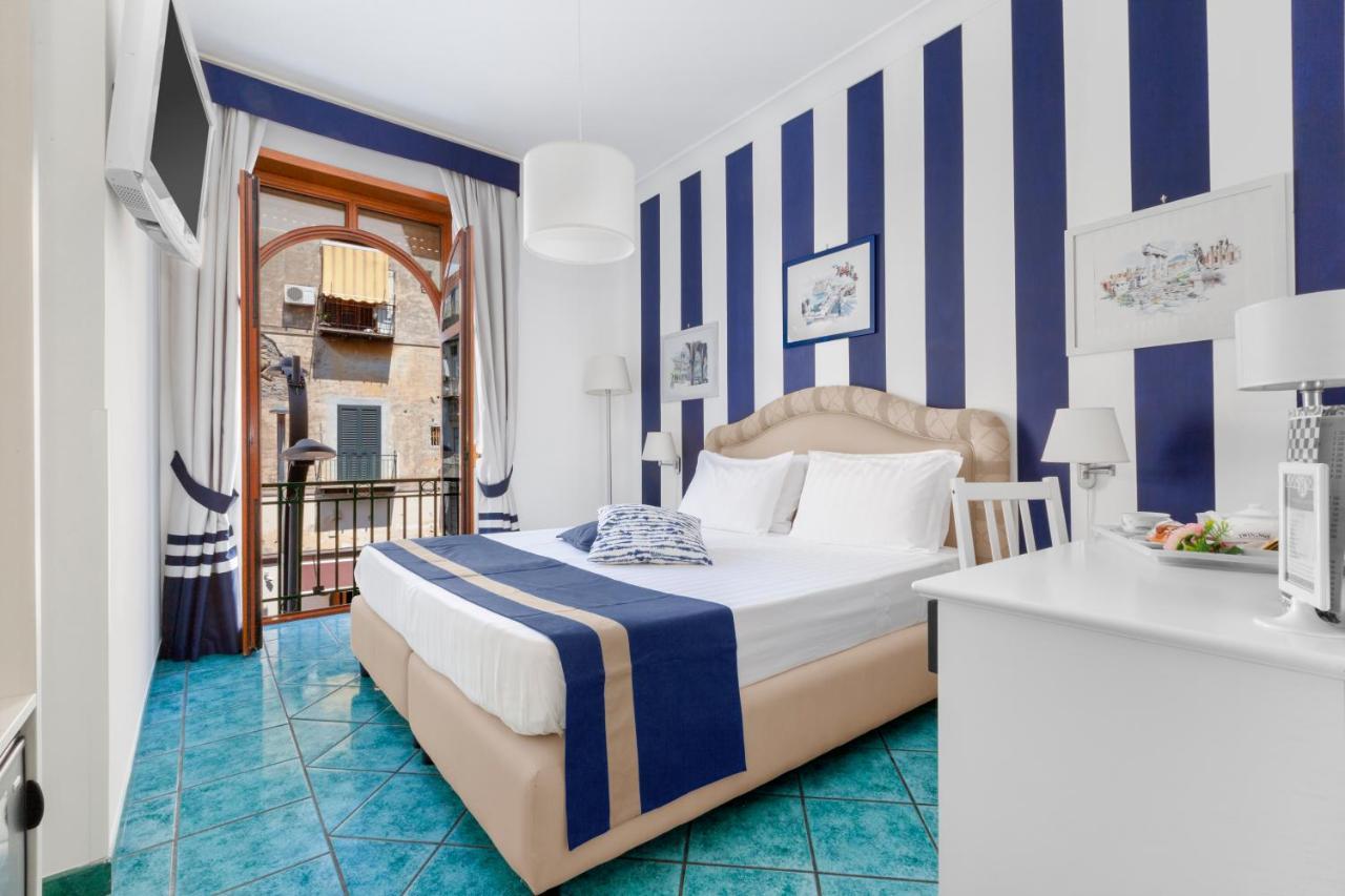 Отель  Hotel Herculaneum