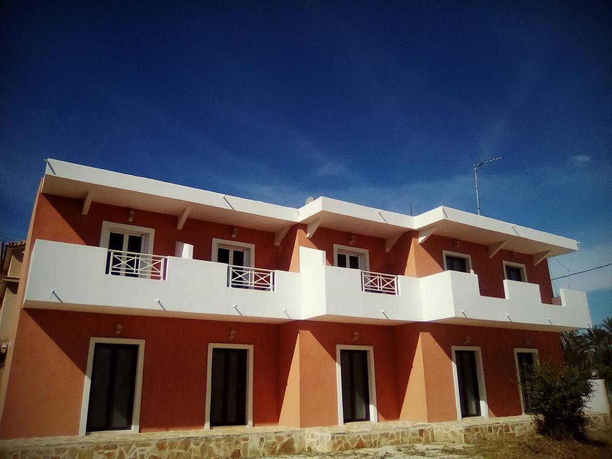 Отель  George And Dina Sea View