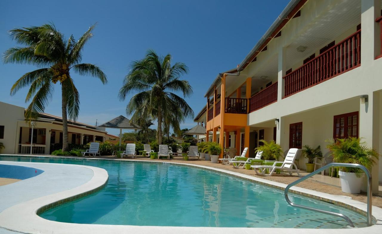 Отель  Отель  Aruba Quality Apartments & Suites