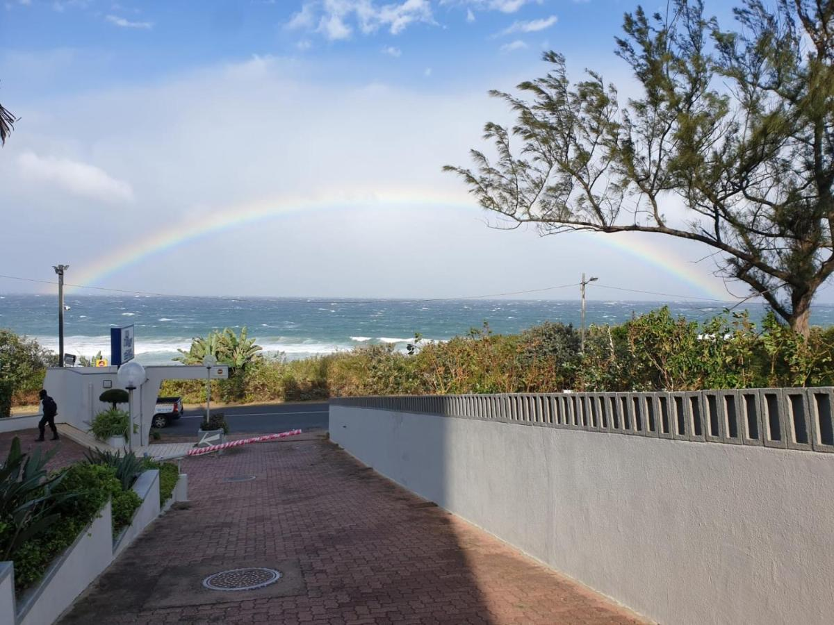 Отель La Mercy Beach Hotel - отзывы Booking