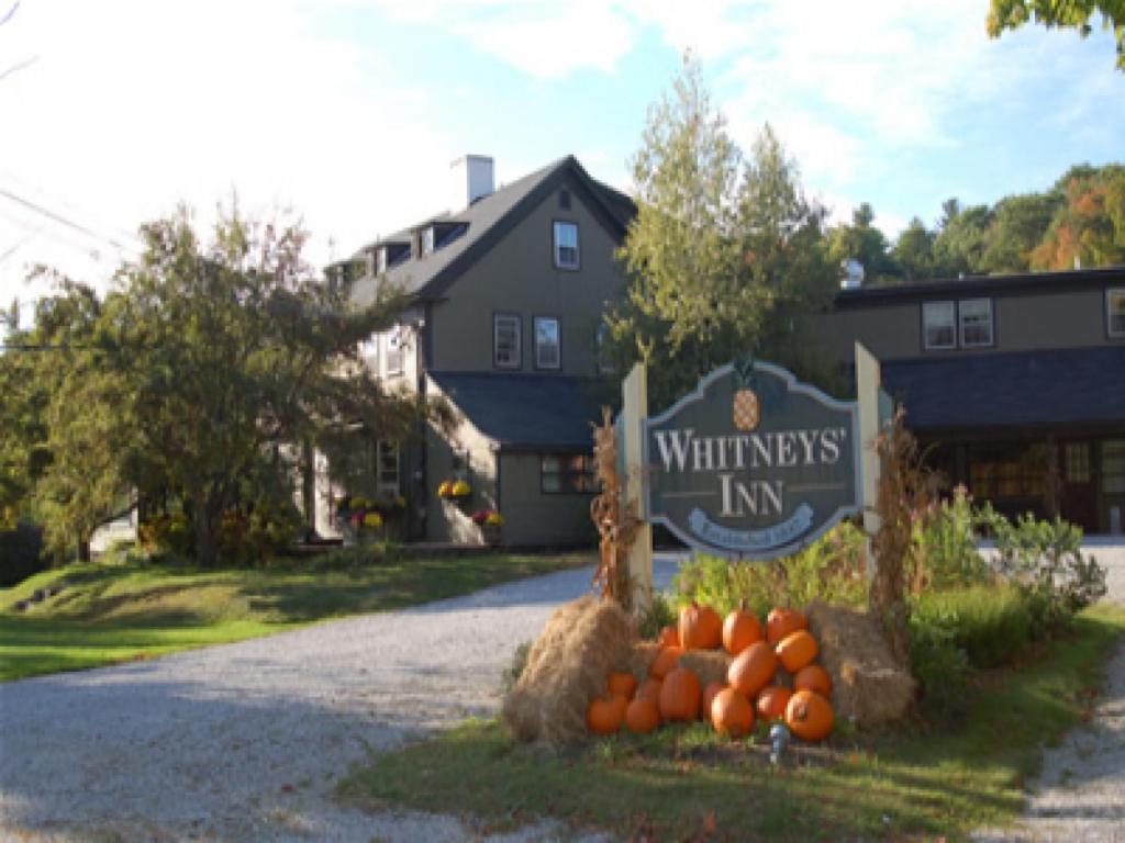 Мини-гостиница Мини-гостиница Whitney's Inn