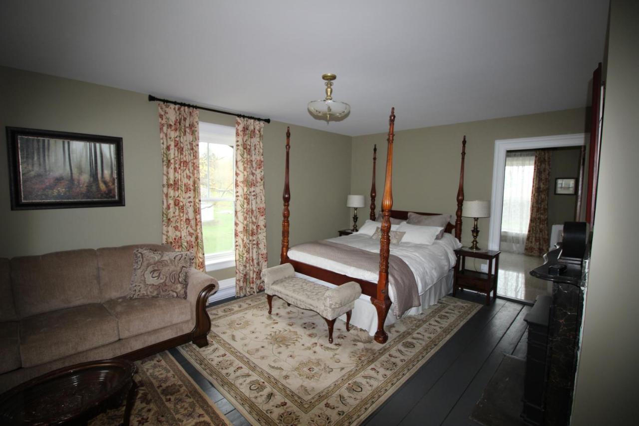 Отель типа «постель и завтрак»  Maplehurst Manor Bed And Breakfast