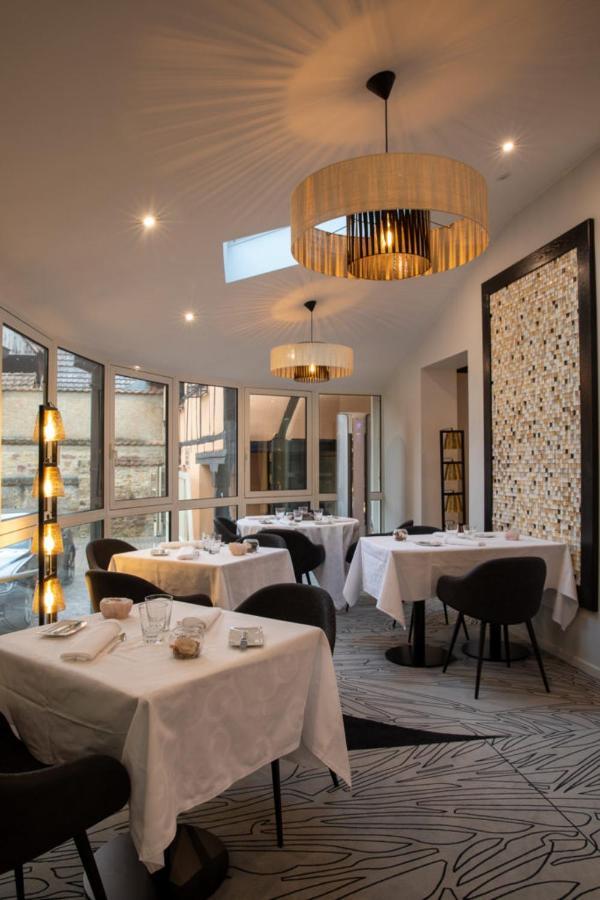 Отель  Logis du Cheval Blanc  - отзывы Booking
