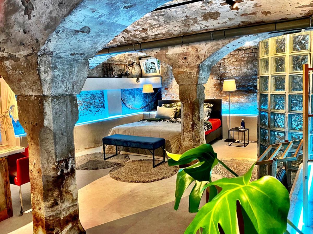 Отель  Private, Spacious Ateliertostay!