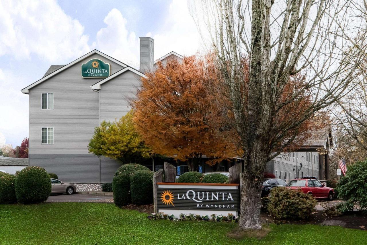 Отель  Отель  La Quinta By Wyndham Eugene