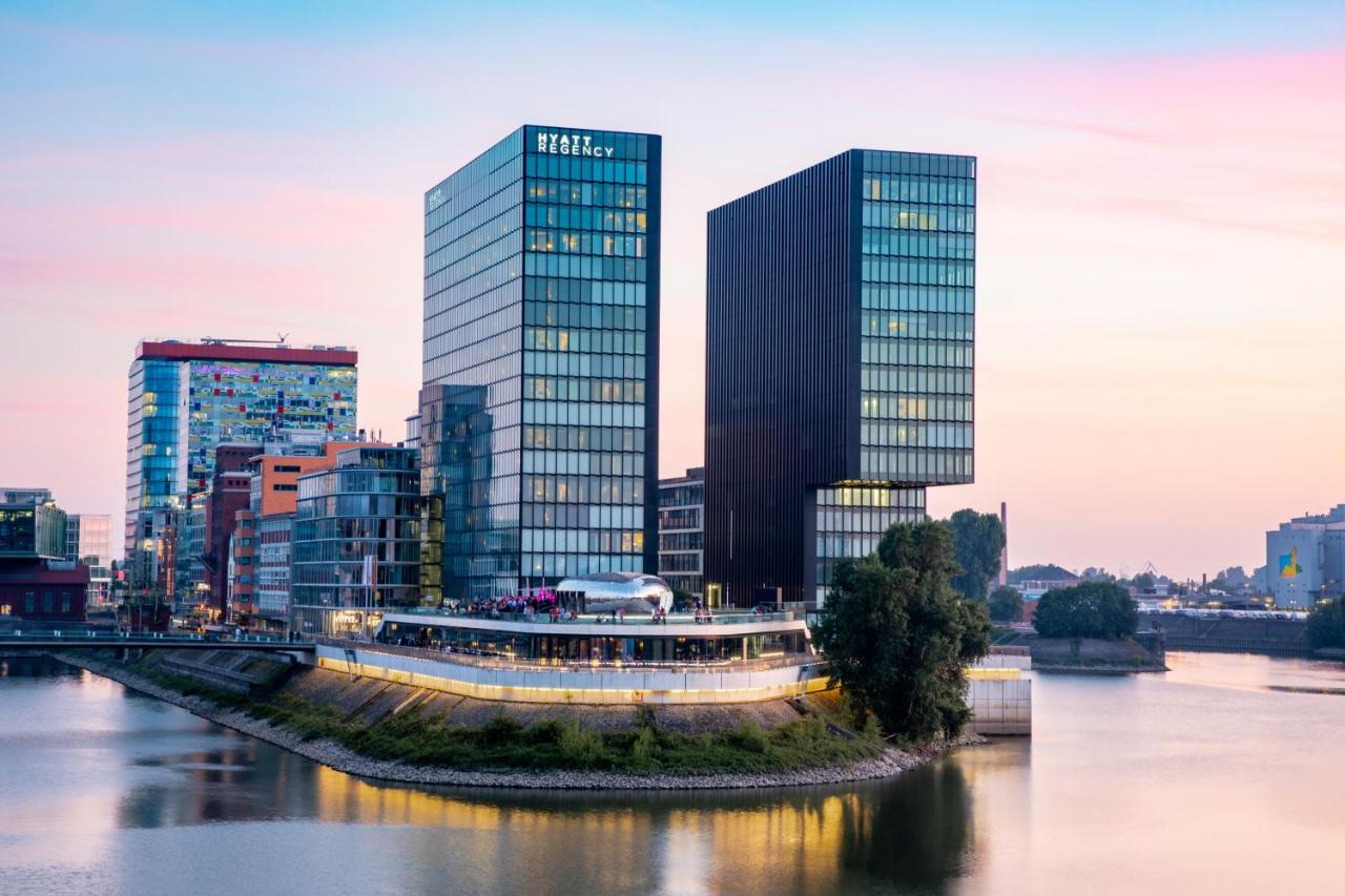 Отель  Hyatt Regency Dusseldorf