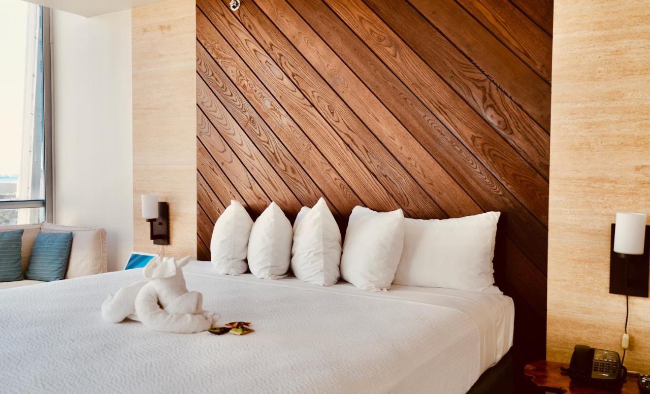 Отель  Отель  Hotel LaCroix Waikiki