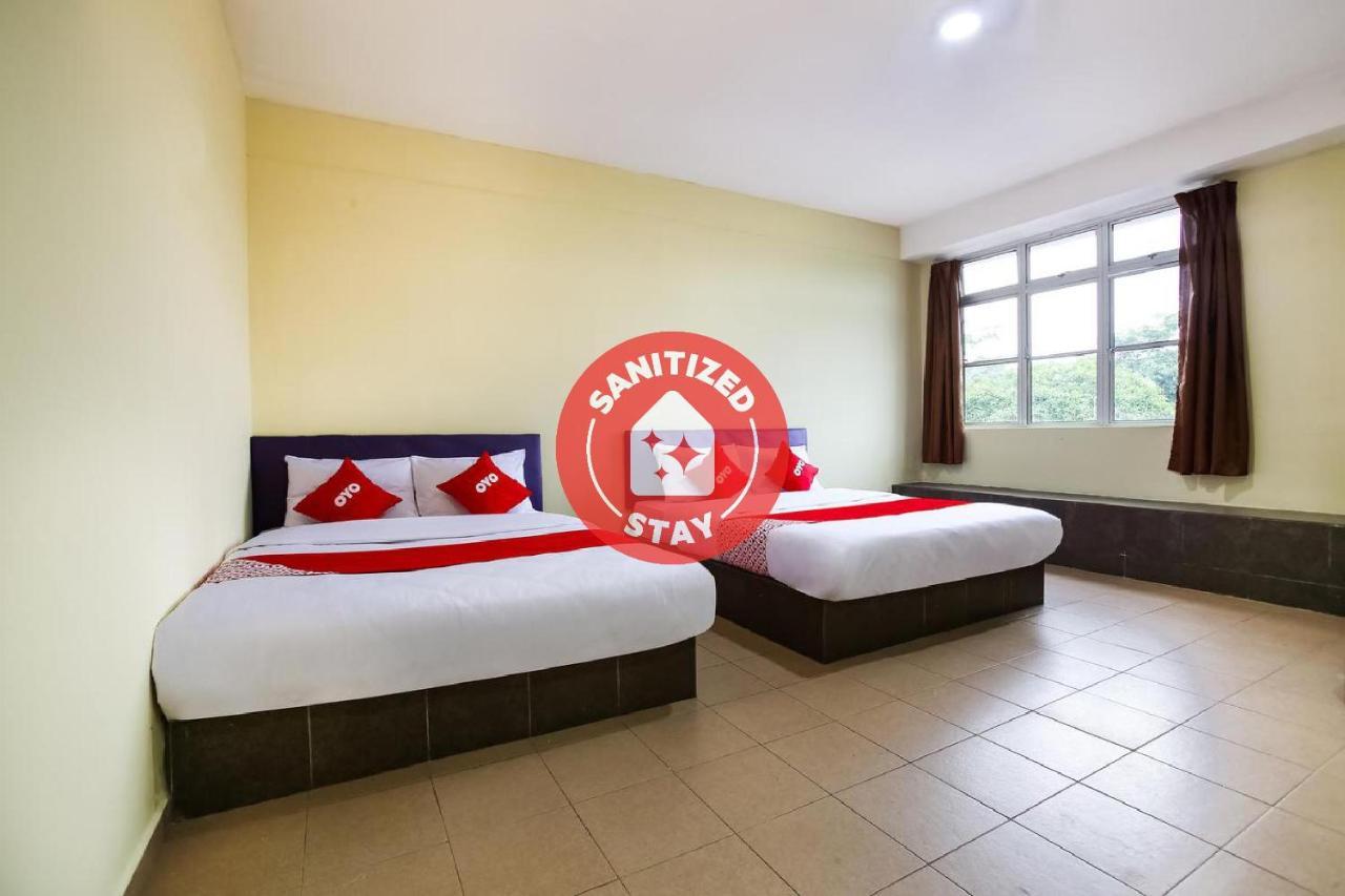 Отель  OYO 89585 Hotel Happy Inn  - отзывы Booking
