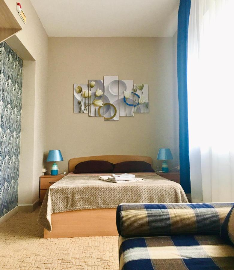 Хостел  Hostel Happy House на Холмогорова  - отзывы Booking
