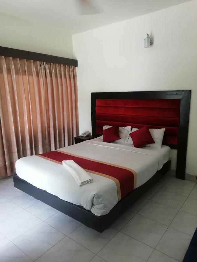 Отель  Отель  Hotel Skylink Limited
