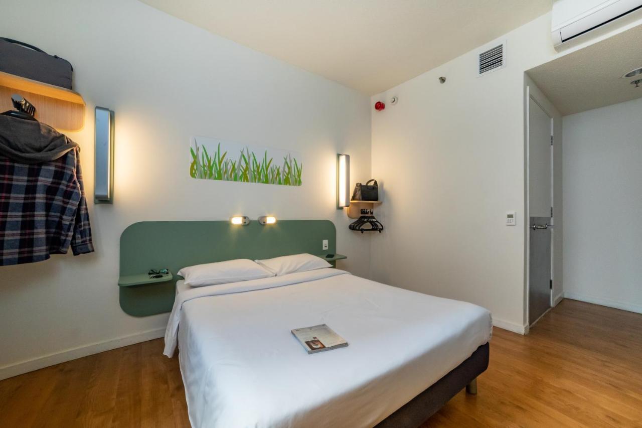 Отель  Ibis Budget SP Frei Caneca