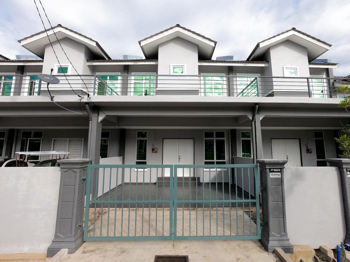 Дом для отпуска AYNA Homestay 5 minutes to Marang Jetty - отзывы Booking