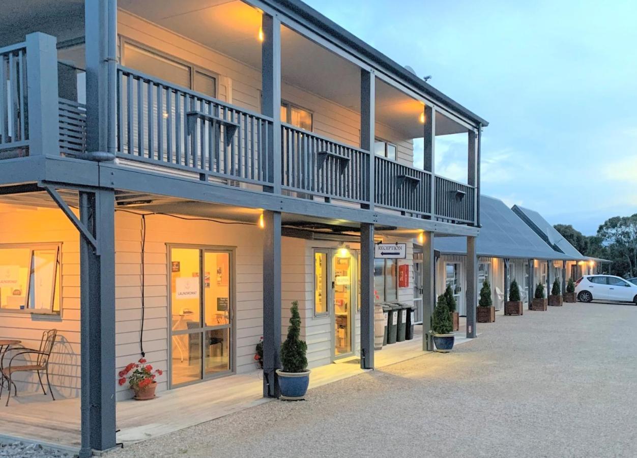Мотель  Collingwood Park Motel