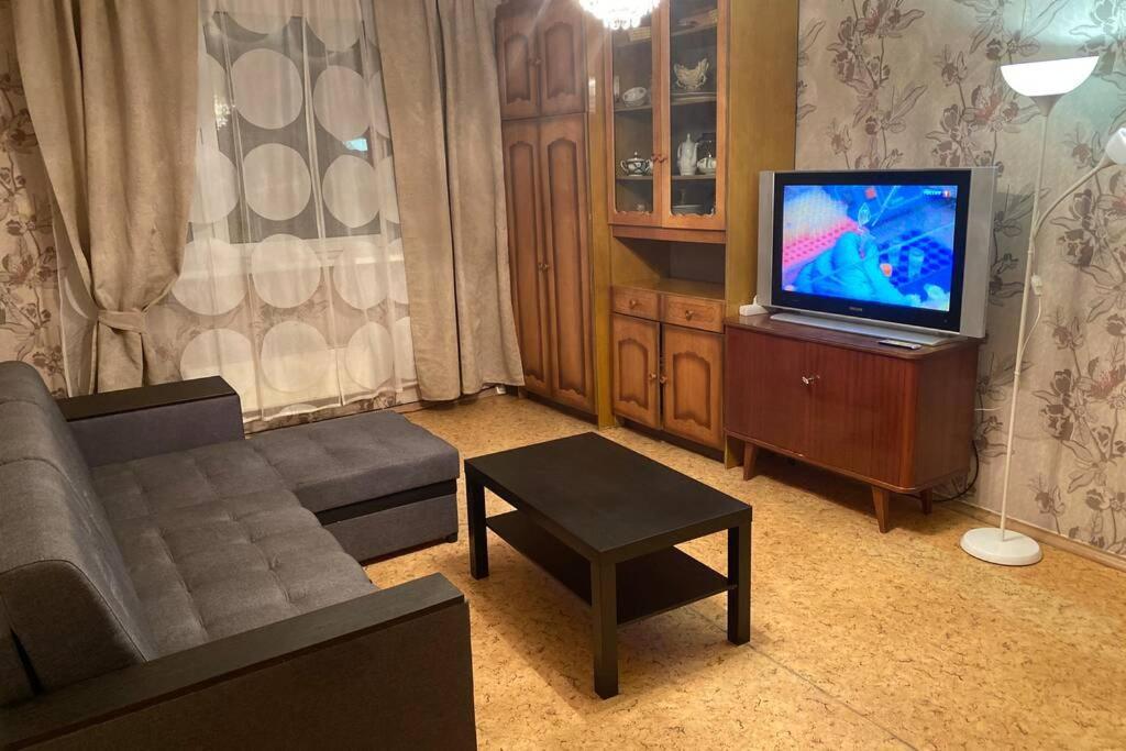 Апартаменты/квартира  Квартира на сутки в Строгино.