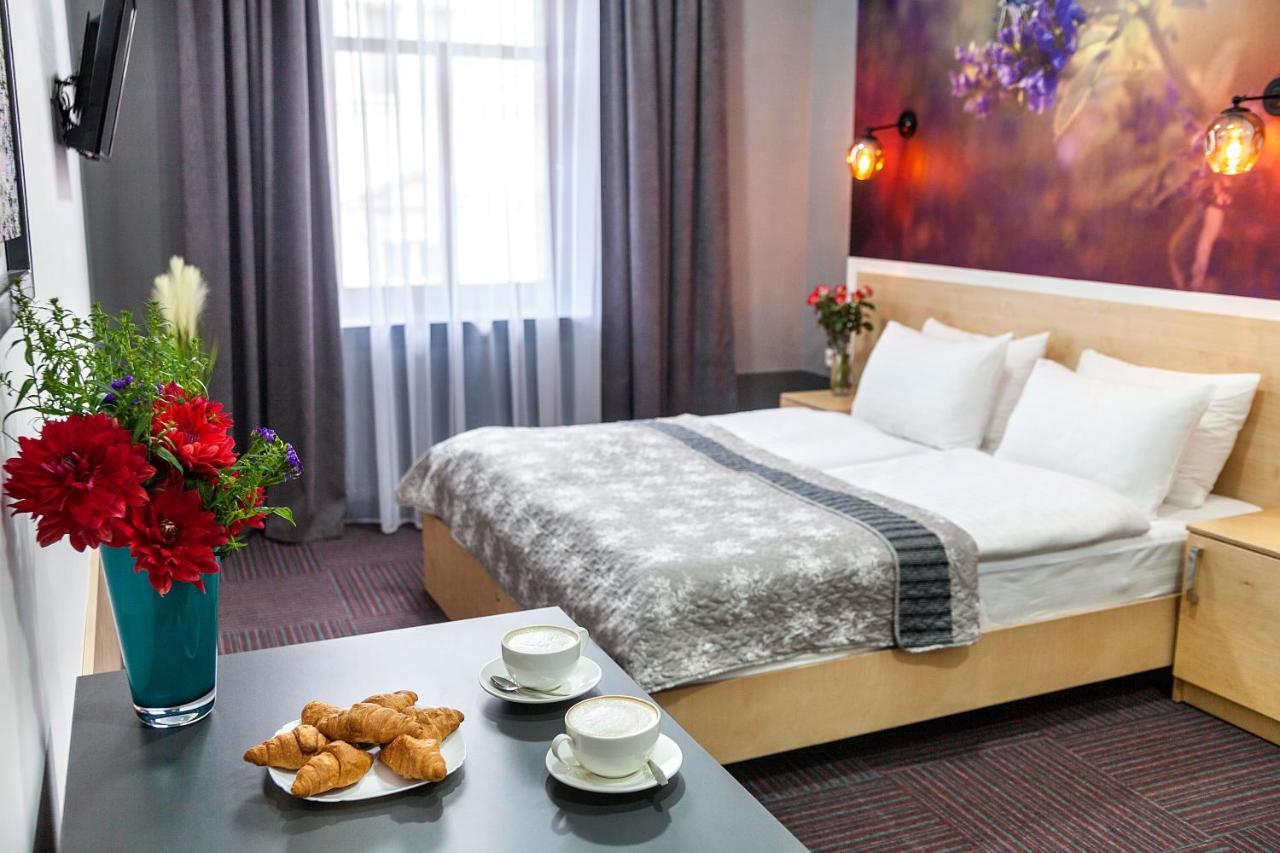 Отель  Etude Hotel