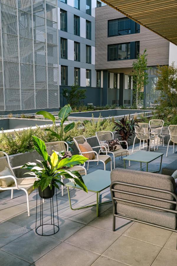 Отель  Отель  Live Hotels Bordeaux Lac