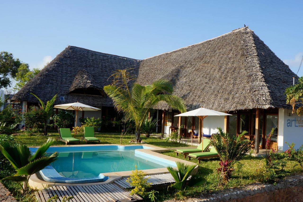 Отель типа «постель и завтрак»  Art Hotel Zanzibar