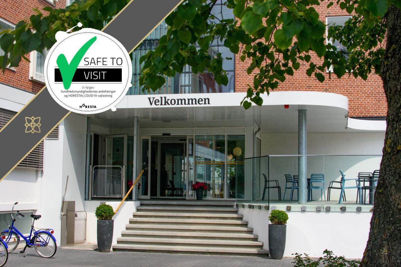 Отель KOMPAS Hotel Aalborg - отзывы Booking